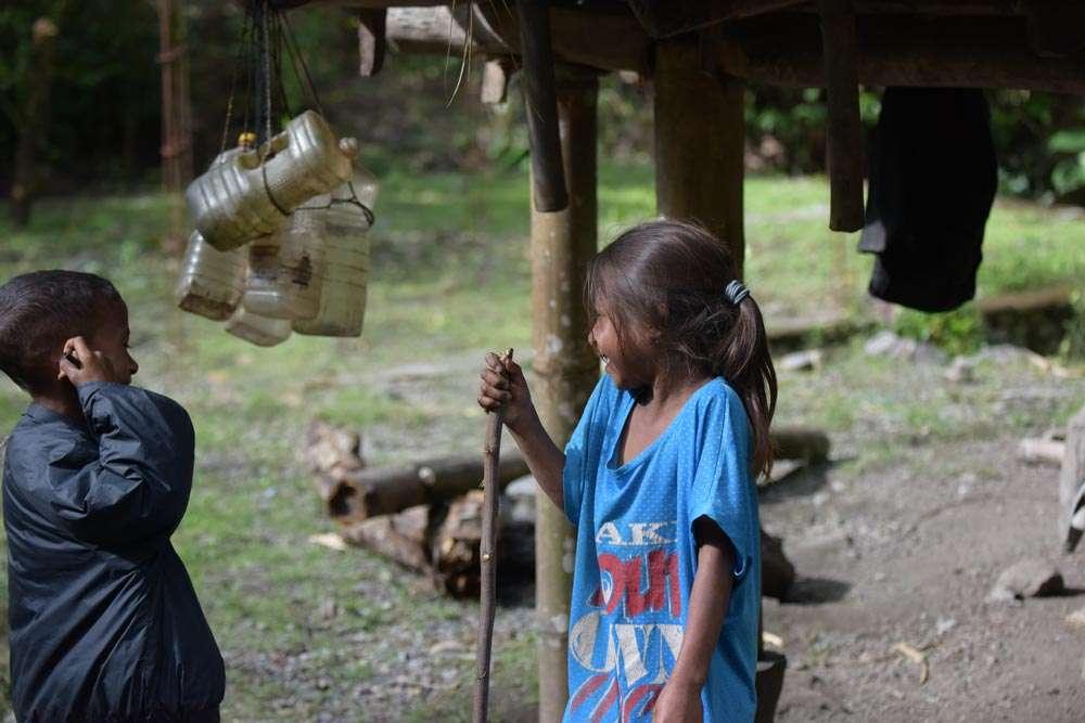 在東帝汶山區感受快樂